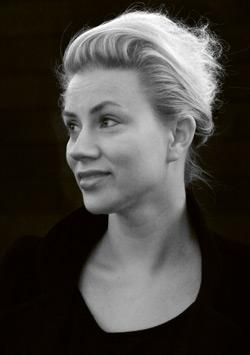 Lina Nordqvist är en av talarna på Möbeldagen 2013. Hon har bland annat designat bokhyllan Level för Karl Andersson & Söner.