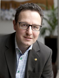 Holger Wallbaum är professor i hållbart byggande.
