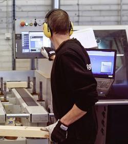 Just nu testkör företaget ett program där ordern görs om till en beställning som maskinerna direkt förstår.