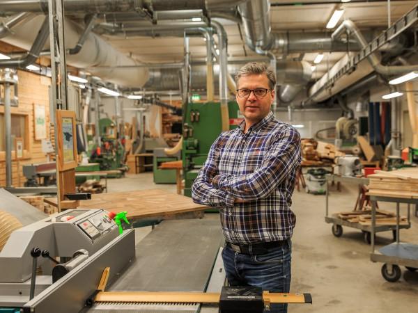 Jörgen Esslinge, utbildningsansvarig på Träteknikutbildning i Hammarö.