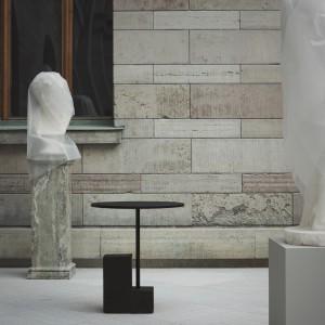 Höj- och sänkbart cafébord (Källemo) Foto: Pia Ulin