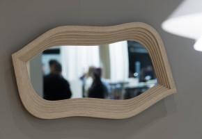 Spegeln Mirror, producerad av Swedese och formgiven av Front. Born Classic