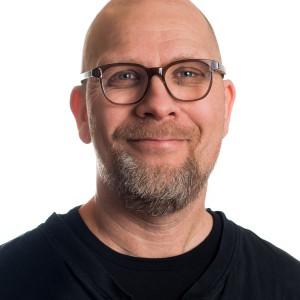 JOAKIM BROBÄCK GÖR: Vd för Träcentrum, Nässjö. BOR: Barnarp söder om Jönköping. ANDRA JOBB: Bland annat på Marbodal i åtta år och på Tekniska högskolan vid Jönköping university under fem år.