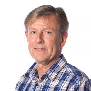 ULF BRUNNE GÖR: Snickarmästare, möbelkonservator och tidigare avdelningschef för Malmstens Linköpings universitet, är nybliven pensionär och ordförande för nystartade Malmstens alumniförening. Kommer fortsätta ligga nära branschen med flera kommande projekt. BOR: Vaxholm men uppväxt i Malmö. FAMILJ: Fru som också är hantverkare och bokbindare, två vuxna barn som studerar.