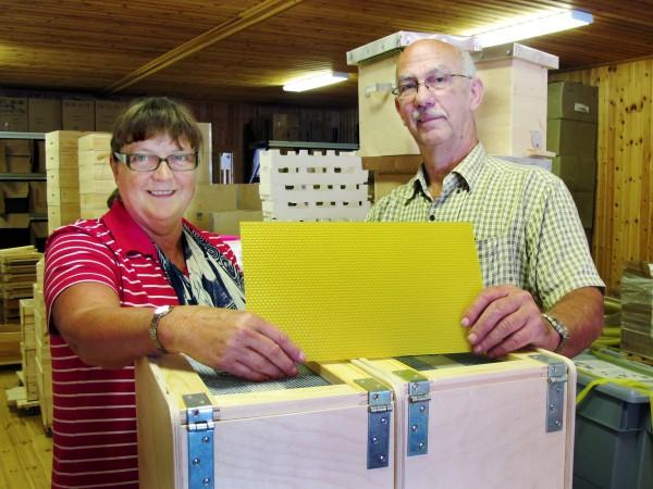 Maritta och Marino Svenssons Biredskapsfabriken blev 2012 utsett till Årets företag i Töreboda kommun.