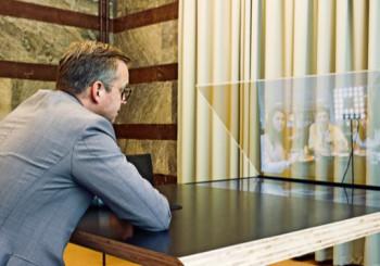 Matbordet som kopplar upp förstagångsväljare till riksdagen