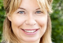 Nina Ekelund provocerar på möbelmässan.