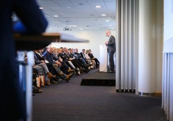 Reinfeldt drog rekordantal till årsmötet