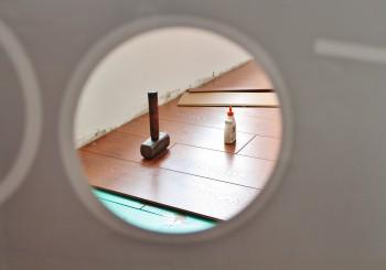 Skulden krymper men renoveringstakten minskar – renoveringsrapport från Trä- och Möbelföretagen